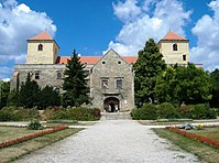 Thury-vár, déli oldal, Varpalota 055.jpg