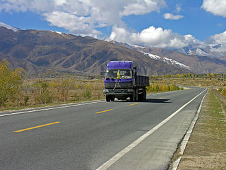 Dongfeng Motor Corporation - A Dongfeng Motor truck in Tibet