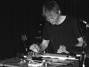 English: Jazz musician Tim Hodgkinson in conce...
