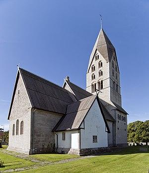 Tingstäde Church - Image: Tingstäde kyrka från nordöst