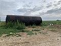Tonne à eau dans un champ à proximité de Messy (Seine-et-Marne).jpg