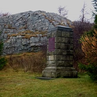 Monument to the landing of Colonel William Amherst in 1762 Torbay NL AmherstMonument 2016.jpg
