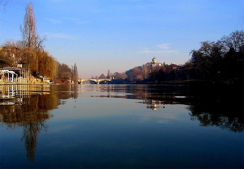 File:Torino-po.jpg