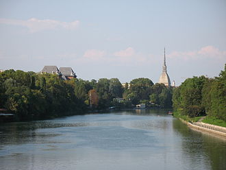 Po (river) - The Po along the city of Turin.