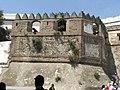 Torre Escala, junto a la Puerta de la Reina (Bab el Oqla) en Tetuán.jpg