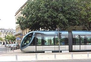 Bordeaux Tramway Line B - Tramway B proche des Quinconces