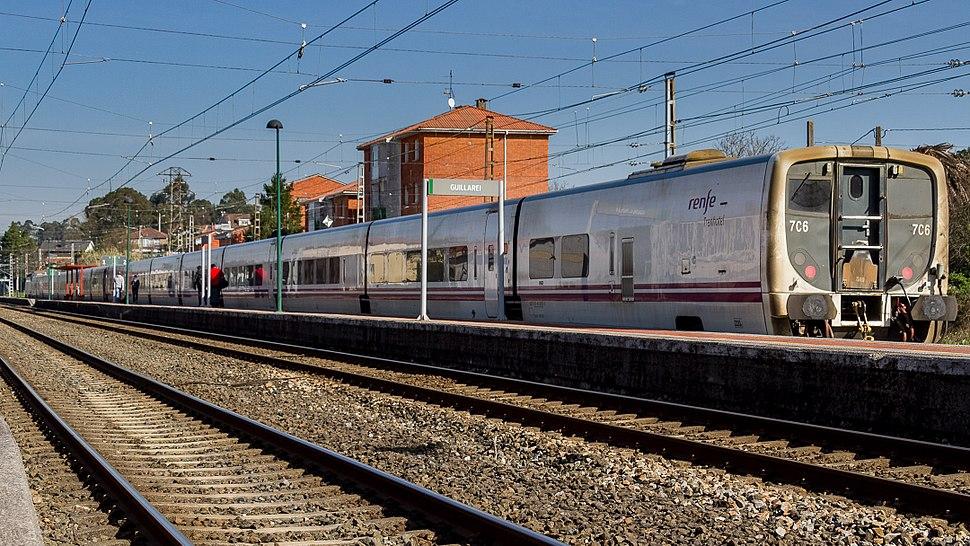 Trenhotel entrando na estación de Guillarei 03-2016