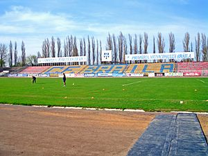 Stadionul Municipal (Brăila) - Image: Tribunabr