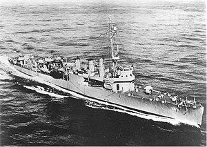 USS Kennison (DD-138) underway at sea, circa in 1944