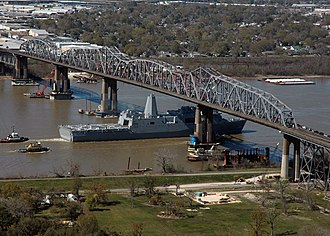 Huey P. Long Bridge (Jefferson Parish) - USS New Orleans passes under the bridge, March 2007