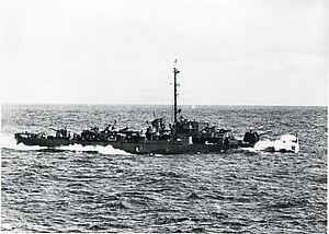 USS Shelton (DE-407) underway at sea, circa in 1944.jpg