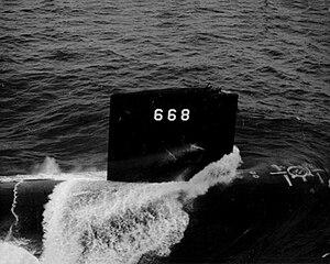 300px-USS_Spadefish_%28SSN-668%29.jpg
