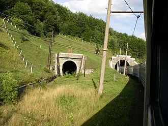 Lviv Railways - Image: Ukraine Kamianka Buzka Skole Volovets Railroad 32