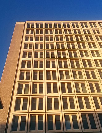 University of Calgary Faculty of Arts - Like most buildings during the Calgary oil boom, the Social Sciences Tower was constructed under the brutalist architectural design.