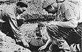Urnen opgraven in Emmen onder leiding van prof dr H T Waterbolk, Bestanddeelnr 908-4416.jpg