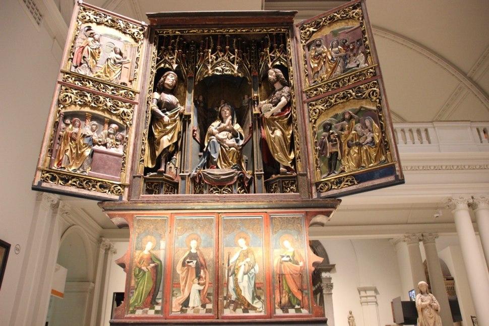 V&A Altar 3