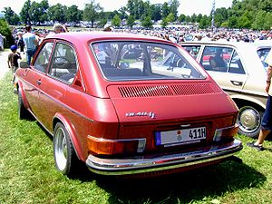 Volkswagen Type 4 - 1971 Volkswagen 411LE.