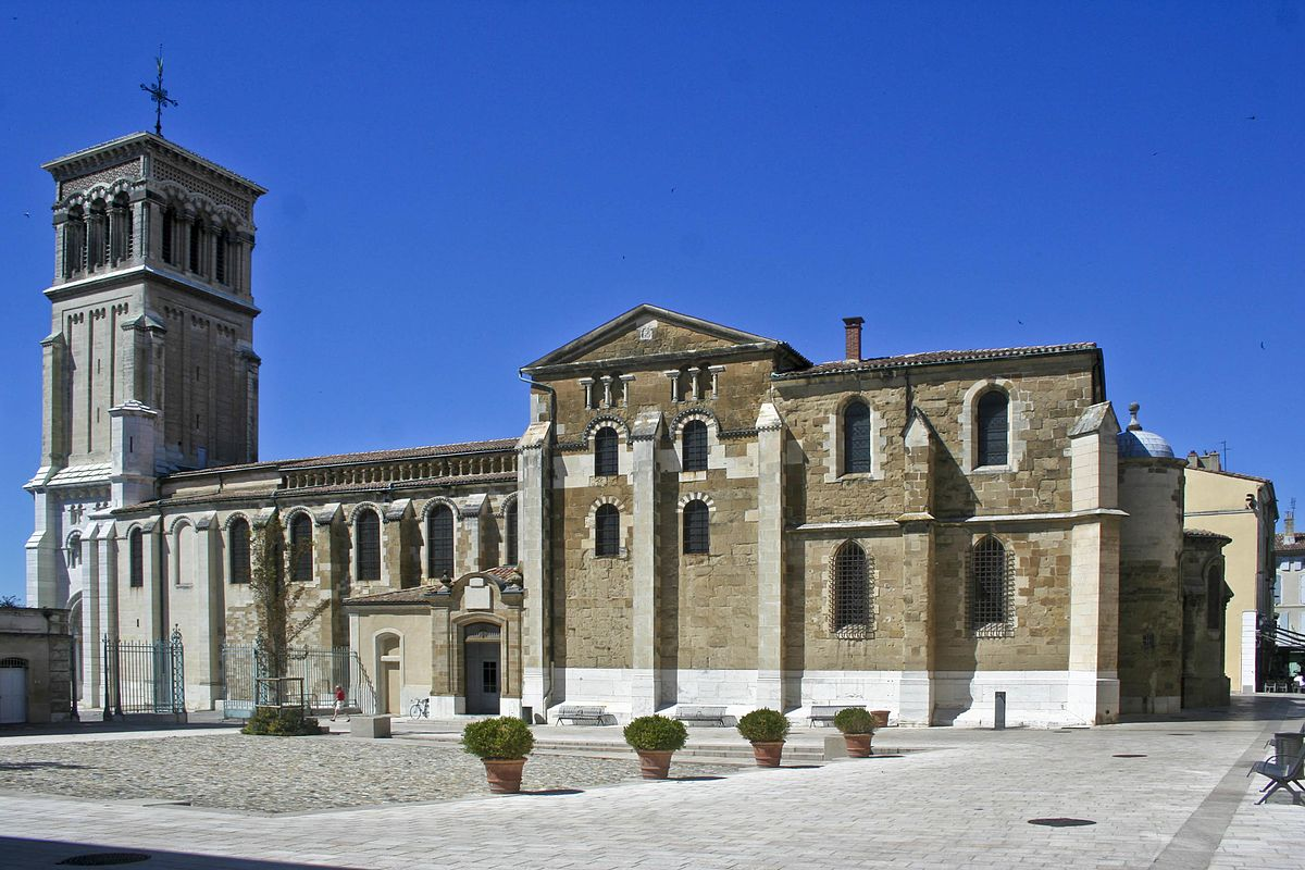 Roman catholic diocese of valence wikipedia for Piscine valence