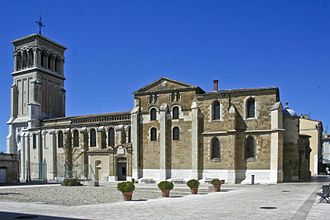 Roman Catholic Diocese of Valence - Cathedral of St. Apollinaris, Valence