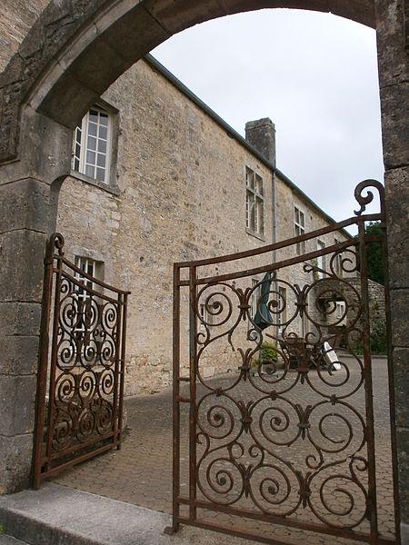 Valognes, Manoir du Haut-Gallion: portail
