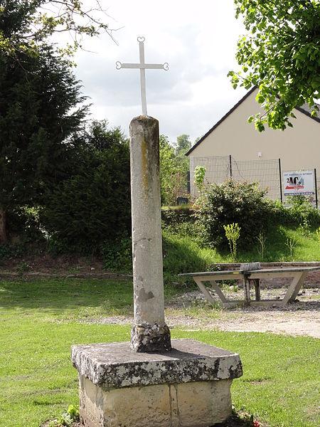 Vaucelles-et-Beffecourt (Aisne) croix de chemin sur stèle