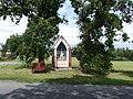 Velký Újezd, výklenková kaple Panny Marie.jpg