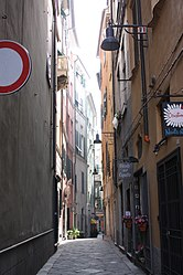 Via Franceso Spinola, Savona.jpg