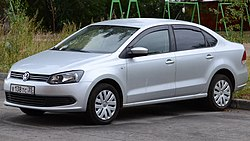Volkswagen Polo Sedan 2.JPG
