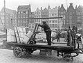 Vracht op een aanhangwagen op het Rokin in Amsterdam, Bestanddeelnr 189-1217.jpg