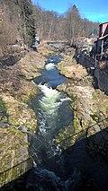 Vrchlabí - řeka Labe (pohled z mostu mezi Krkonošskou a Horskou ulicí k severu).jpg