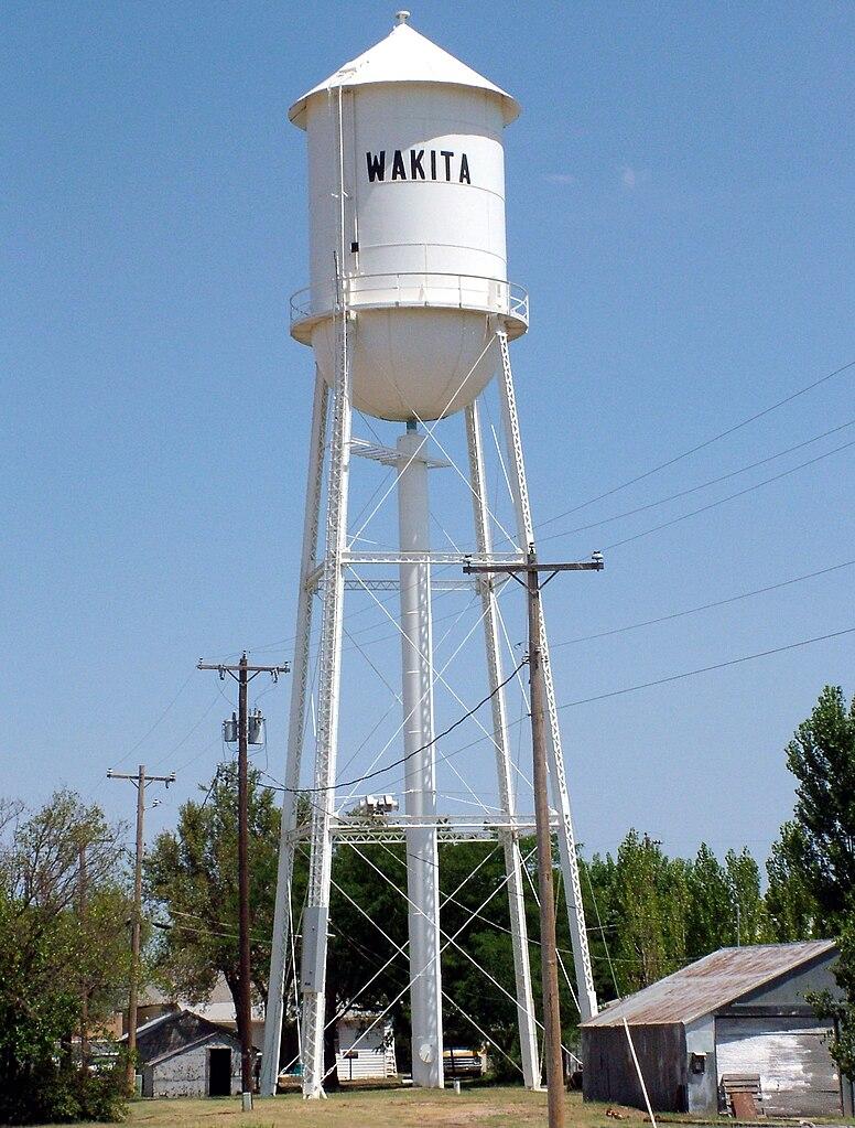 File:Wakita, OK-watertower.jpg - Wikimedia Commons