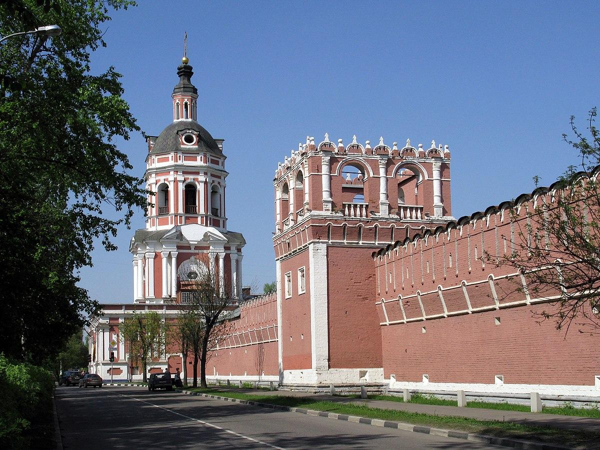 Два сохранившихся строения златоустовского монастыря