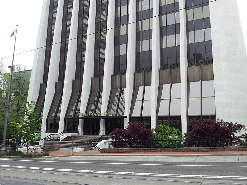 File:Wells Fargo Center, Portland (2014) - 1.jpg