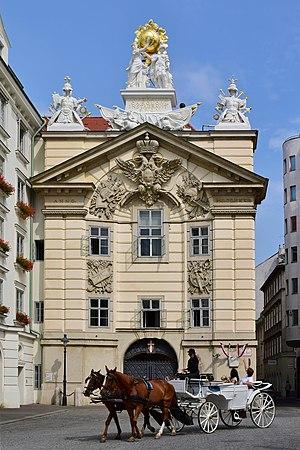 Wien-Innere_Stadt_-_ehem_bürgerliches_Zeughaus_-_Feuerwehrzentrale.jpg