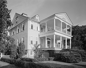 Edisto Island during the American Civil War - The William Seabrook House, here in 1978, was used as a camp for freed slaves at the end of the war.