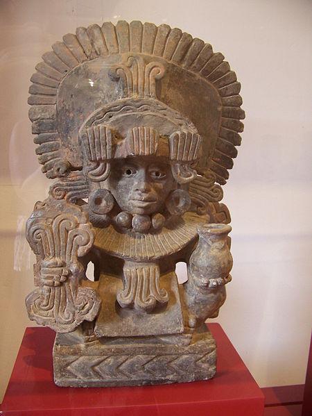 [Bild: 450px-Zapotec_Urn_with_seated_man_%28Jami_Dwyer%29.jpg]