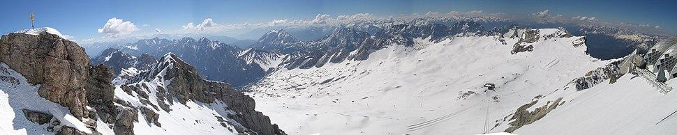 Zugspitze panorama1.jpg