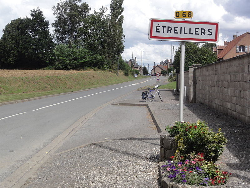 Étreillers (Aisne) city limit sign
