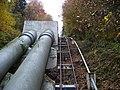 Štěchovická přehrada, potrubí a koleje.jpg