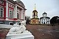 Церкковь и колокольня от дворца.jpg