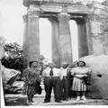 א. רופין ואשתו וקרוביה בביקור בבעלבק ( סוריה ) 1941 משמאל ימינה - רופין א. ר-PHG-1006007.png
