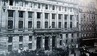 Syndicalism - Bourse du travail in Paris during a strike for the eight-hour day in 1906
