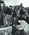 1964-03 1964年 周恩来访问阿尔及利亚北非玻璃厂.jpg