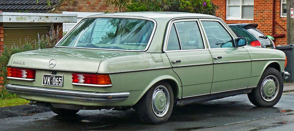 1024px-1976-1979_Mercedes-Benz_280_E_%28W123%29_sedan_%282011-07-17%29_02.jpg