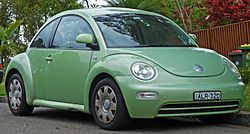 2002 Volkswagen New Beetle (9C MY02.5) 2.0 coupe (2010-10-01) 01.jpg