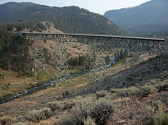 North Entrance Road Historic District - Image: 2003 08 19 Grand Loop Rd bridge over Gardner River in Yellowstone