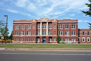 Ontonagon, Michigan - Image: 2009 0617 Ontonagon school