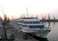 2010-8-8 MS Watutin im Hafen von Odessa - Angela M. Arnold fec.png