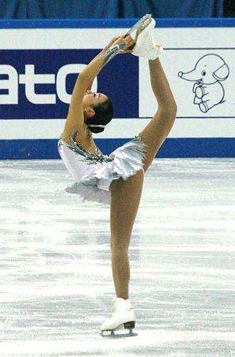 Biellmann spin - Image: 2012 12 Final Grand Prix 3d 358 Mao Asada