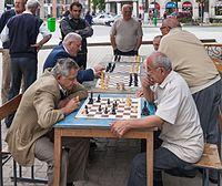 2014 Kutaisi, Mężczyzni grający w szachy (01).jpg
